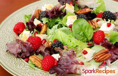 Summer Salad with Chicken & Berries