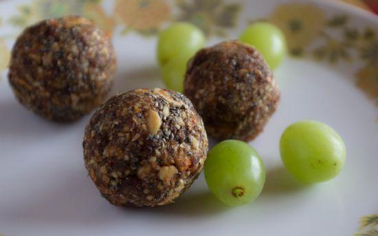 Raisin and Almond Energy Balls
