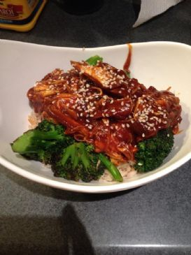Slow Cooker Sesame Chicken Over Rice and Broccoli