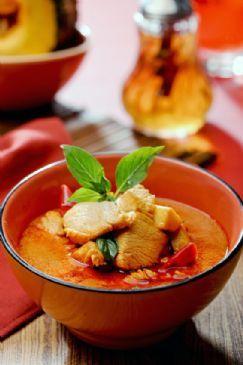 Paneng Kai (Mild Thai Chicken Curry)