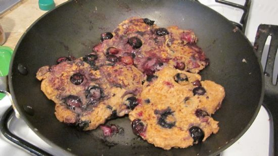 Blueberry Pie Protein Pancakes