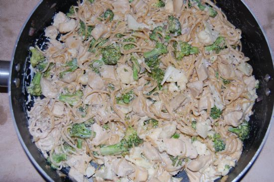 Creamy Garlic Chicken and Veggies