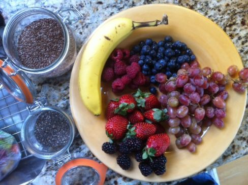 Berry Antioxidant Smoothie with Kale and Spinach