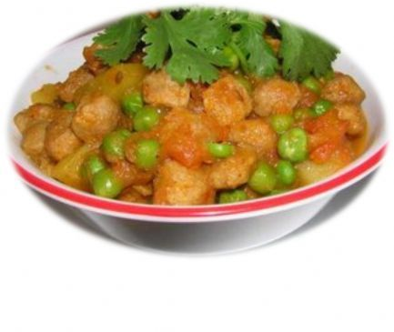 Nutrella Aloo (Soy Chunks with Potato) Curry