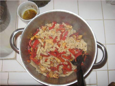 Pasta Sapienza (Bell Peppers and Veggie Chicken)
