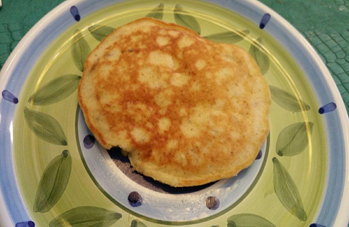Coconut flour apple-nana pancakes