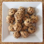 4 Ingredient PEANUT BUTTER ENERGY BALLS