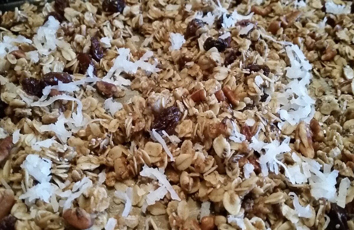 Granola with Chia seeds and coconut oil, 1/4 cup