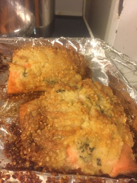 Almond Parmesan Basil Crusted Salmon Bake
