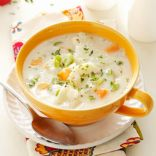 Anastssia Crock pot potato soup