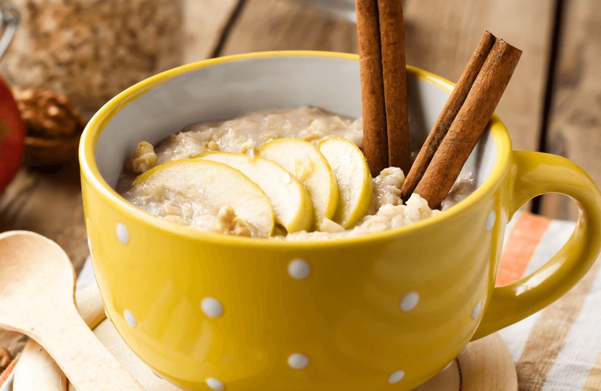 Apple-Cinnamon Slow Cooker Oatmeal