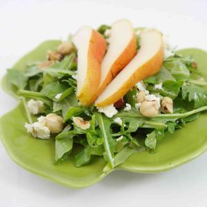 Atkins Arugula, Pear and Hazelnut Salad