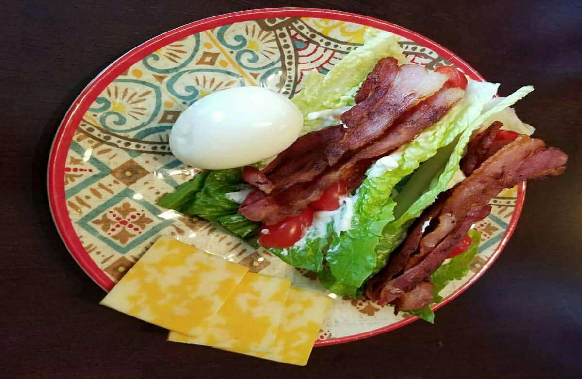 BLT low carb Lettuce wrap