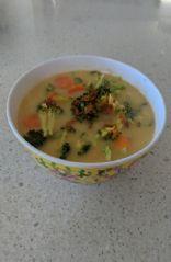 Broccoli carrot coconut soup