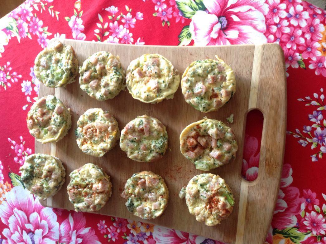 Broccoli-omelette muffin