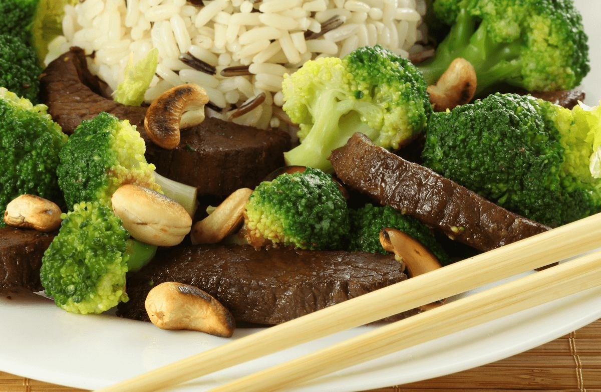 Cashew Beef and Broccoli Stir-Fry