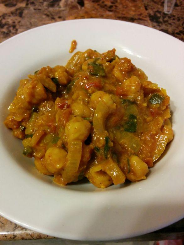 Chana Masala / Curried Garbanzo Beans
