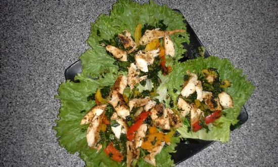 Chicken on a bed of lettuce