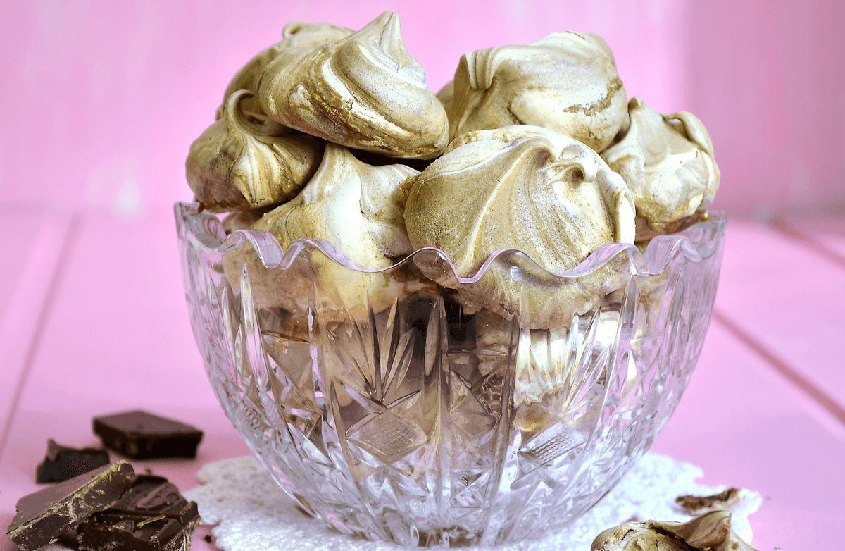 Cocoa Meringue Shells