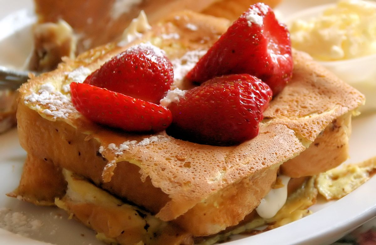 Creamy Cinnamon Stuffed French Toast
