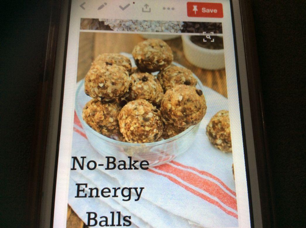Energy Balls (peanut butter, coconut, dark chocolate)