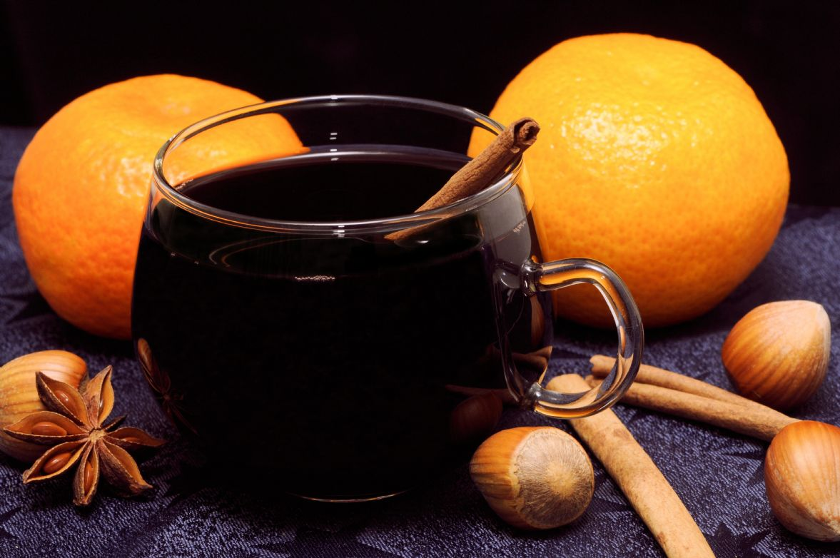 Feuerzangenbowle German Mulled Wine Recipe Sparkrecipes