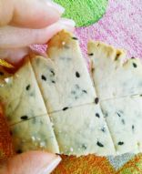 Easy and healthy rice flour crackers
