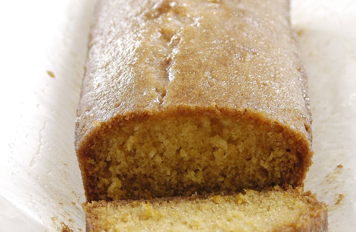 Light Lemon Pound Cake
