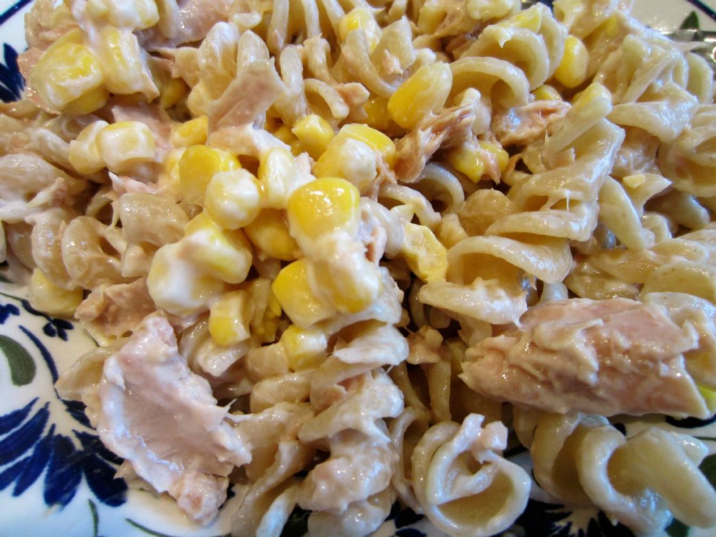 Light tuna pasta salad with yoghurt recipe sparkrecipes for Tuna fish pasta