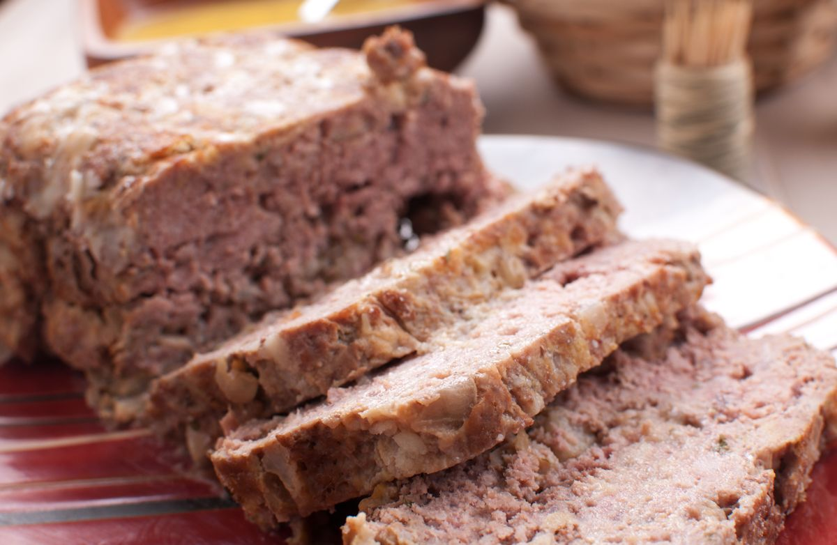 Meatloaf with Applesauce