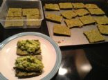 Spinach crackers (0.9 net carbs each)