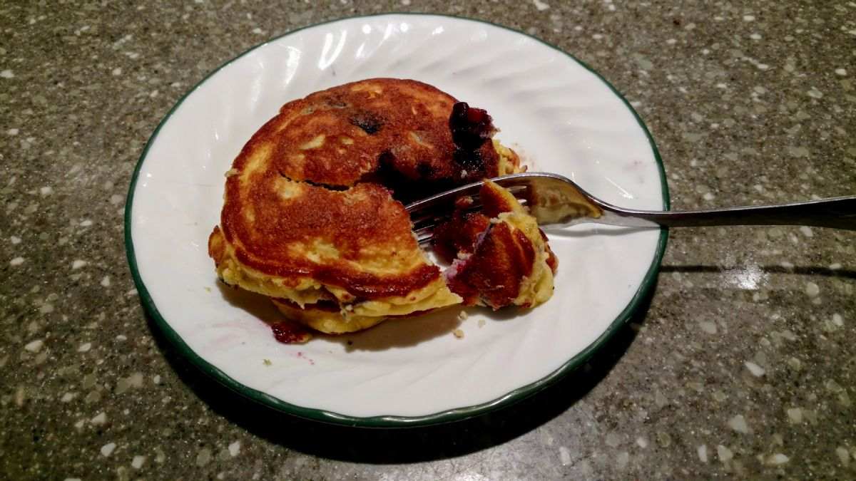 Pancakes with Coconut Flour and Blueberries