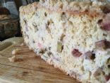 Rhubarb cake with streusel.