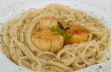 Scallops In White Wine Sauce With Whole Wheat Linguine