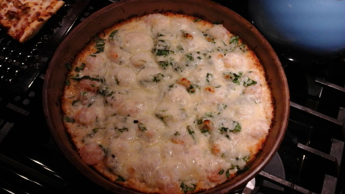 Shrimp spinach Alfredo cauliflower crust pizza