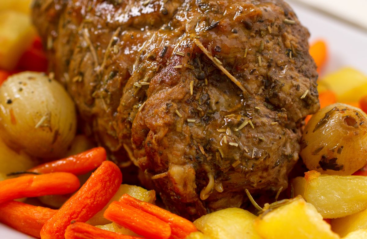 Slow Cooker Beef Roast with Vegetables