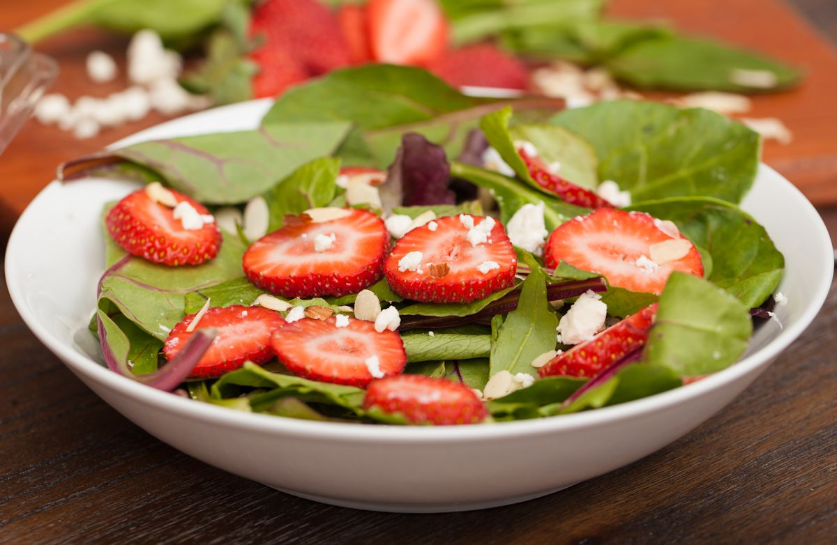 Spinach-Berry Salad