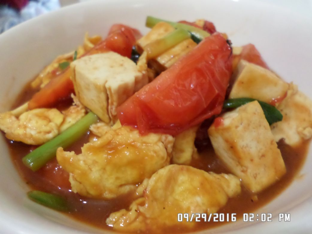 Tomato and Tofu Eggs