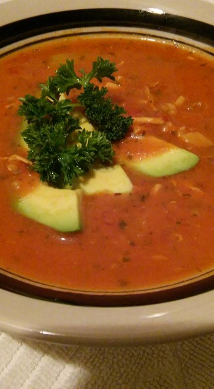 Tomato soup with chicken and brown rice