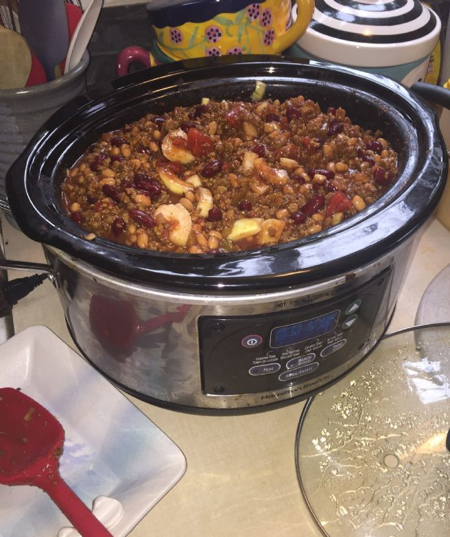 Vegetarian Easy Dump Chili (Vegan if you don't top with cheese later)