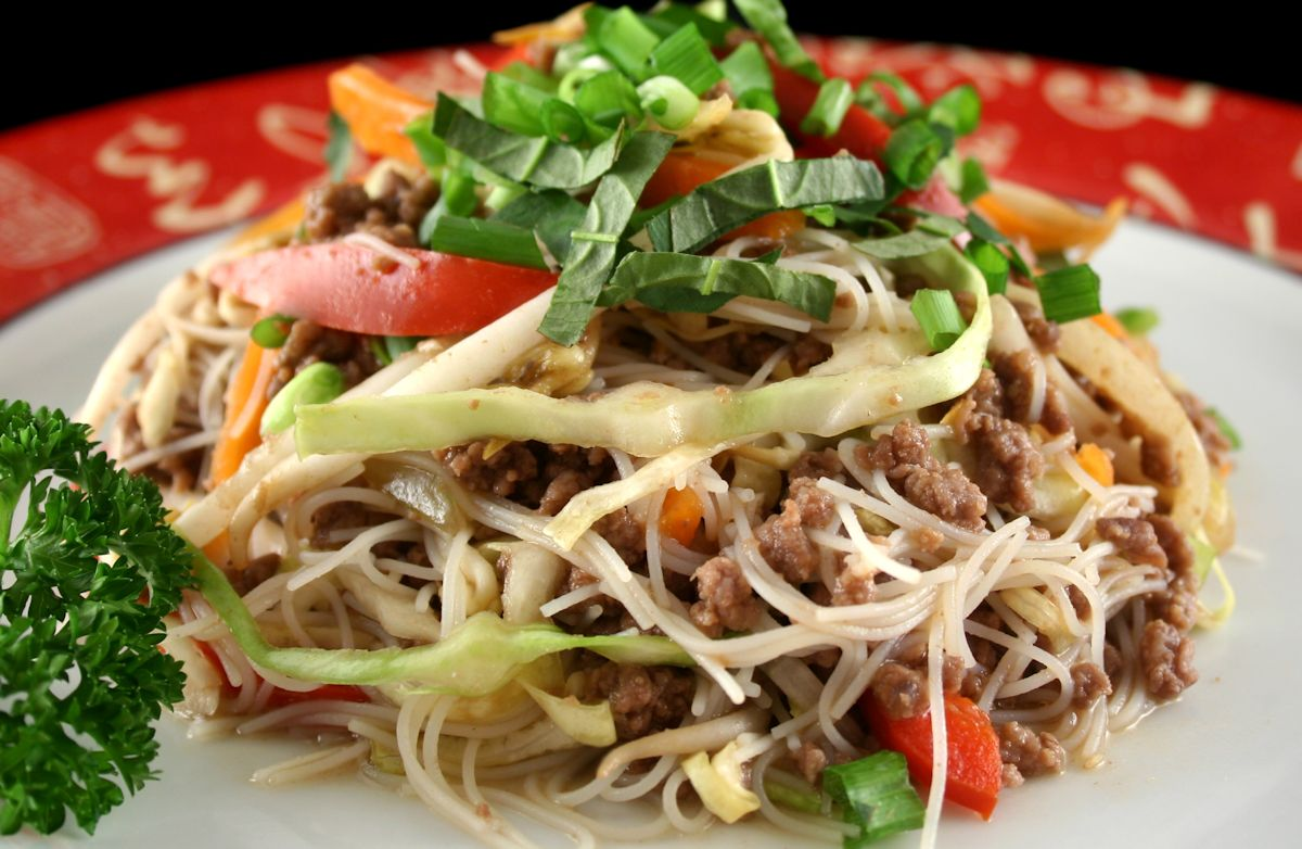 Yatsobi (Beef, Cabbage and Ramen Noodle Stir-Fry)