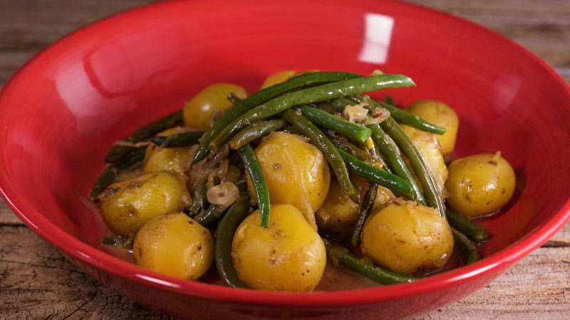 baby yukon gold potatoes with french green beans