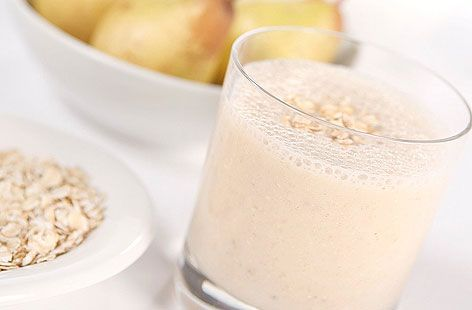 pear honey banana and oat breakfast smoothie