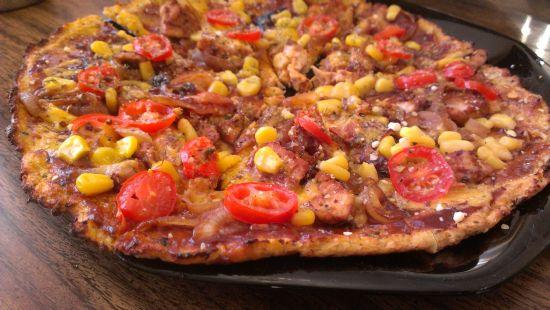 BBQ Chicken Cauliflower Crust Pizza