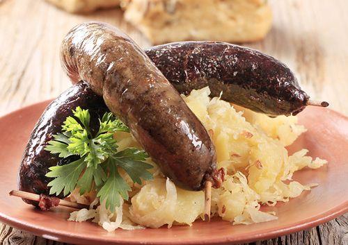 beer bratwurst and sauerkraut