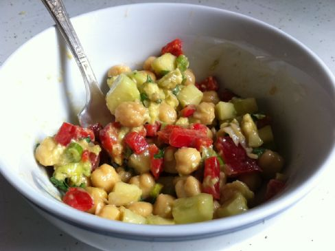 Chickpea, Red Pepper , & Avocado Salad