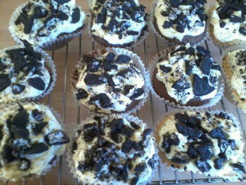 Chocolate Cookies N Cream Cupcakes