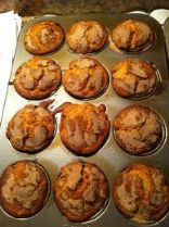 Oatmeal & Spice Muffins w/ Peaches