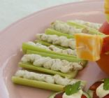 Spicy Cottage Cheese-Stuffed Celery
