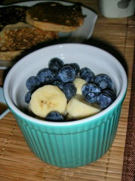 Banana Blueberry Breakfast Pudding (Raw & Gluten Free)